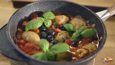 Kuracie prsia na olivách a paradajkách