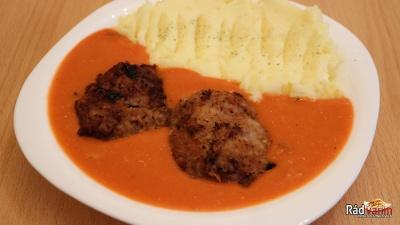 Bravčové klopsy s paradajkovou omáčkou