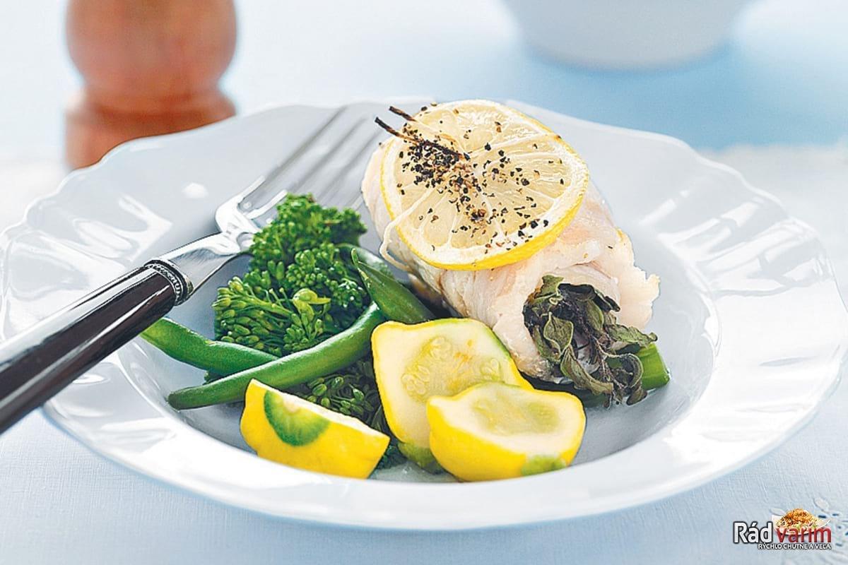 Ryba s bylinkovým maslom