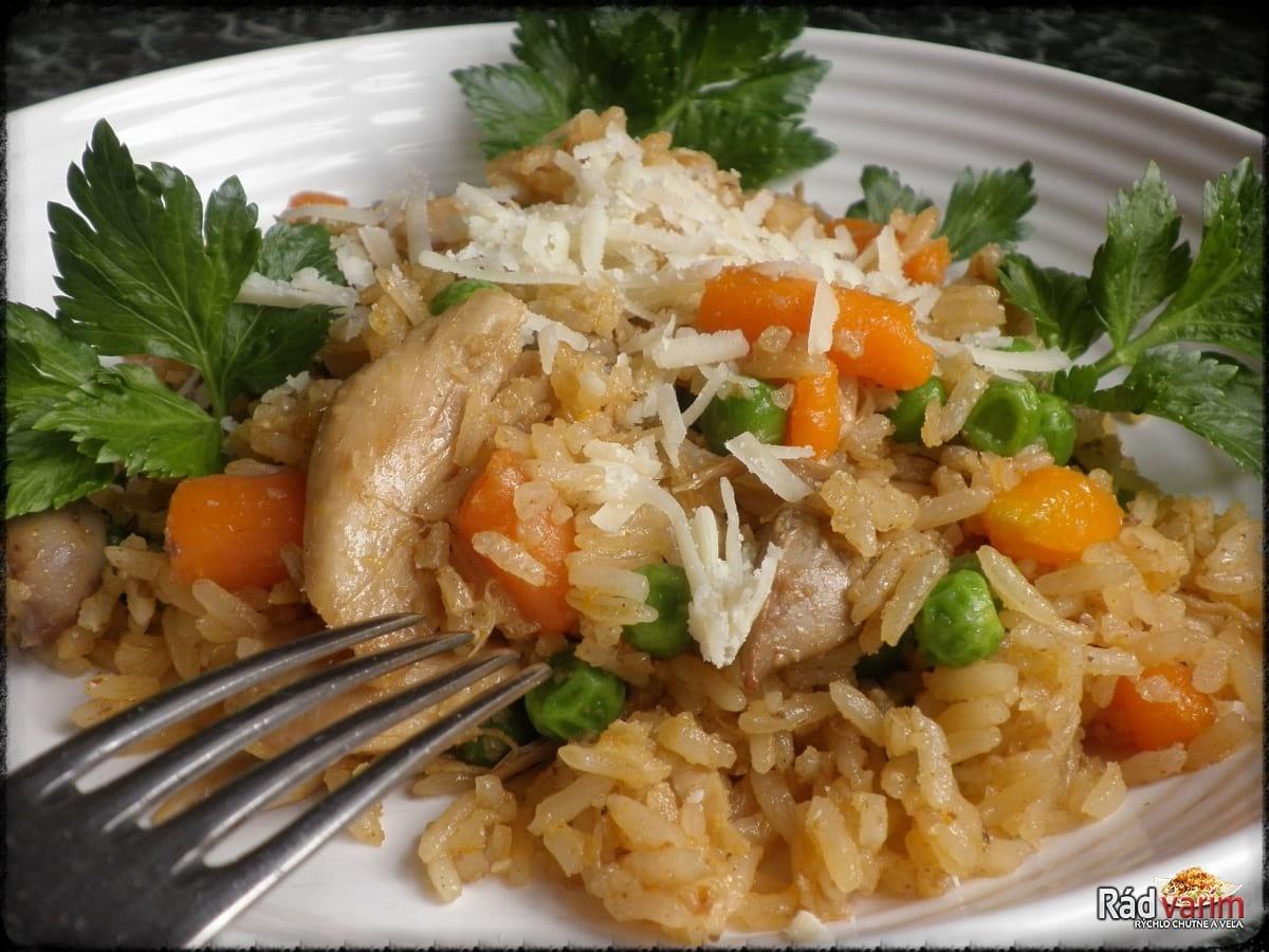 Kuracie rizoto so zeleninou a restovanými pečienkami
