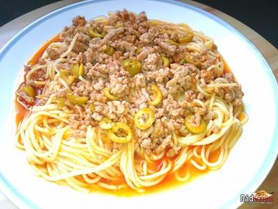 Špagety s mletým mäsom a olivami