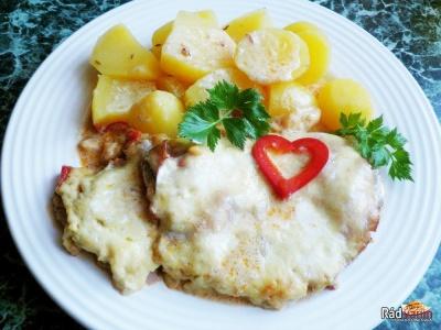 Krkovička s cesnakom a zemiakmi