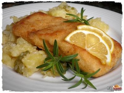 Kapor na masle so zemiakovým šalátom