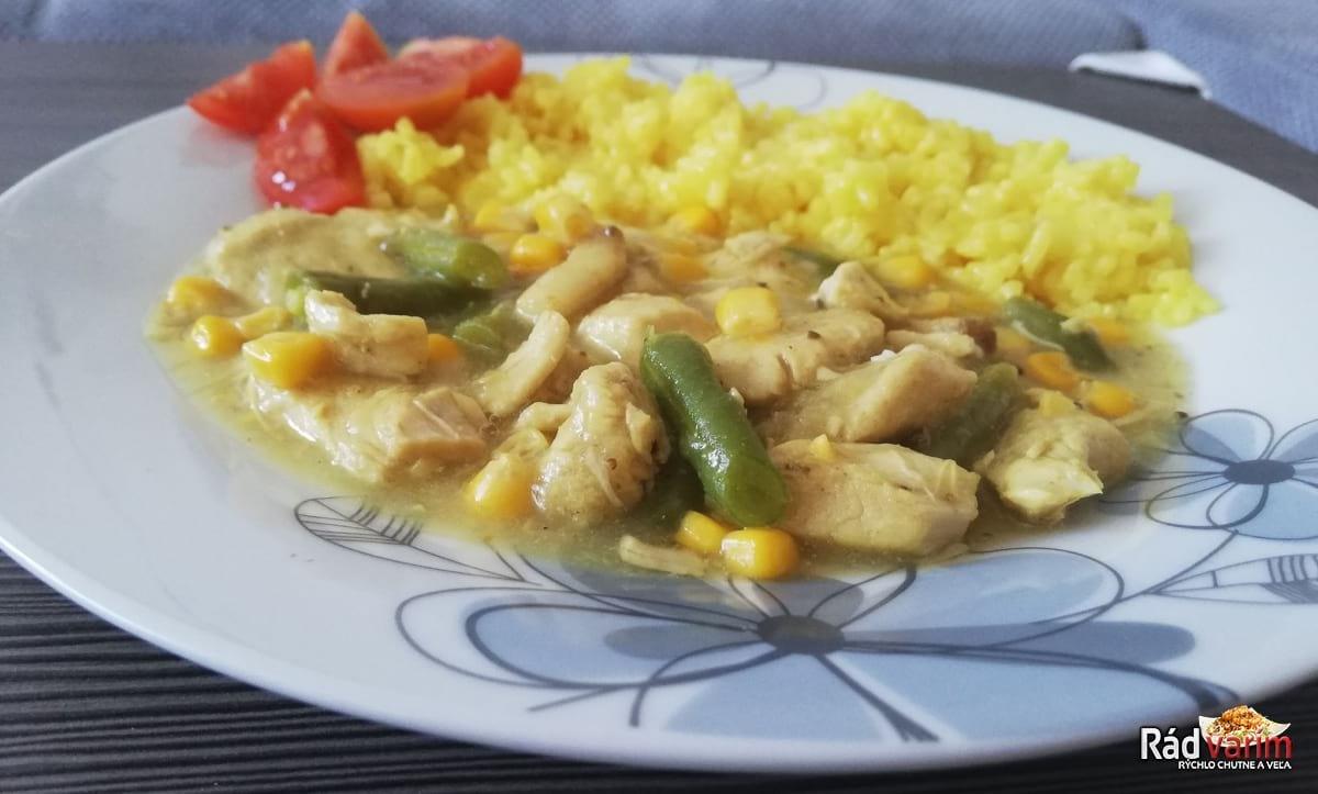 Kuracie prsia (soté) s hráškom, kukuricou a ryžou
