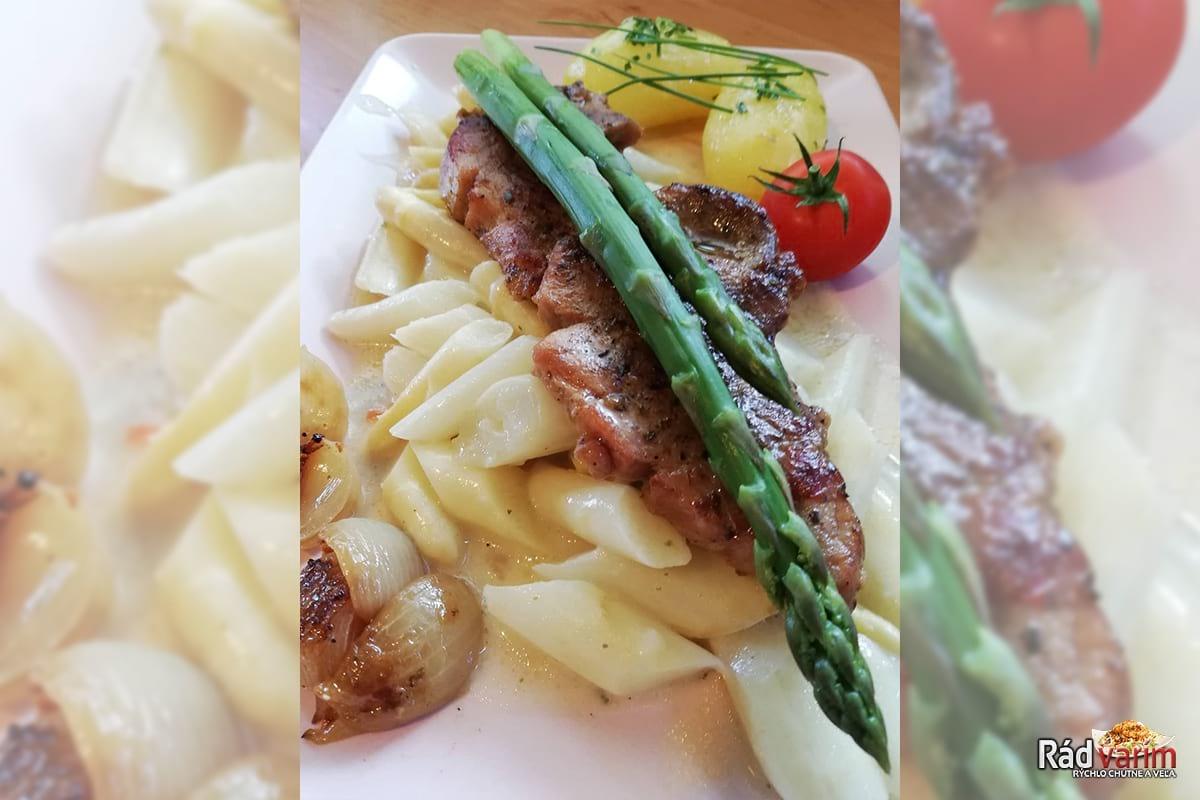 Bravčový steak, ragú z bielej špargle a nové zemiaky