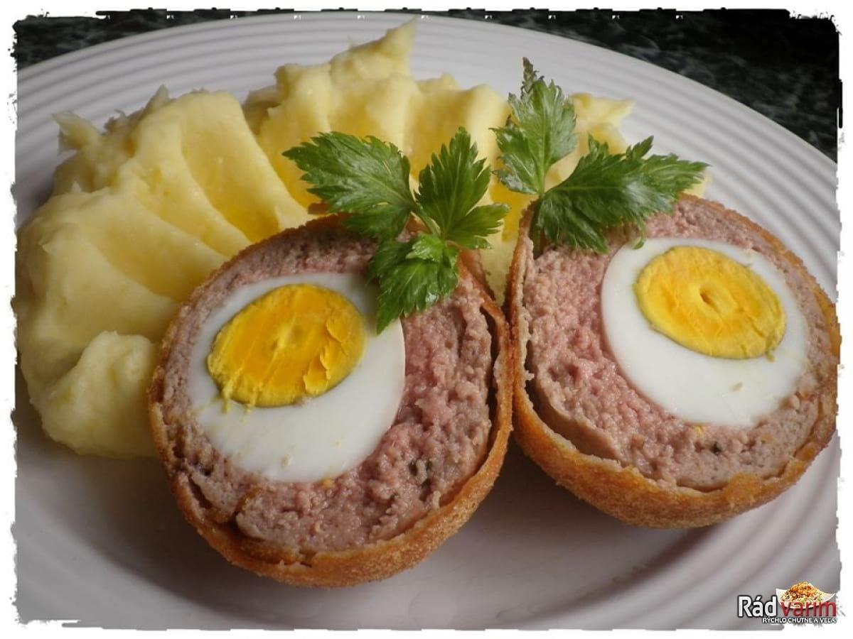 Pštrosie vajce so zemiakovou kašou