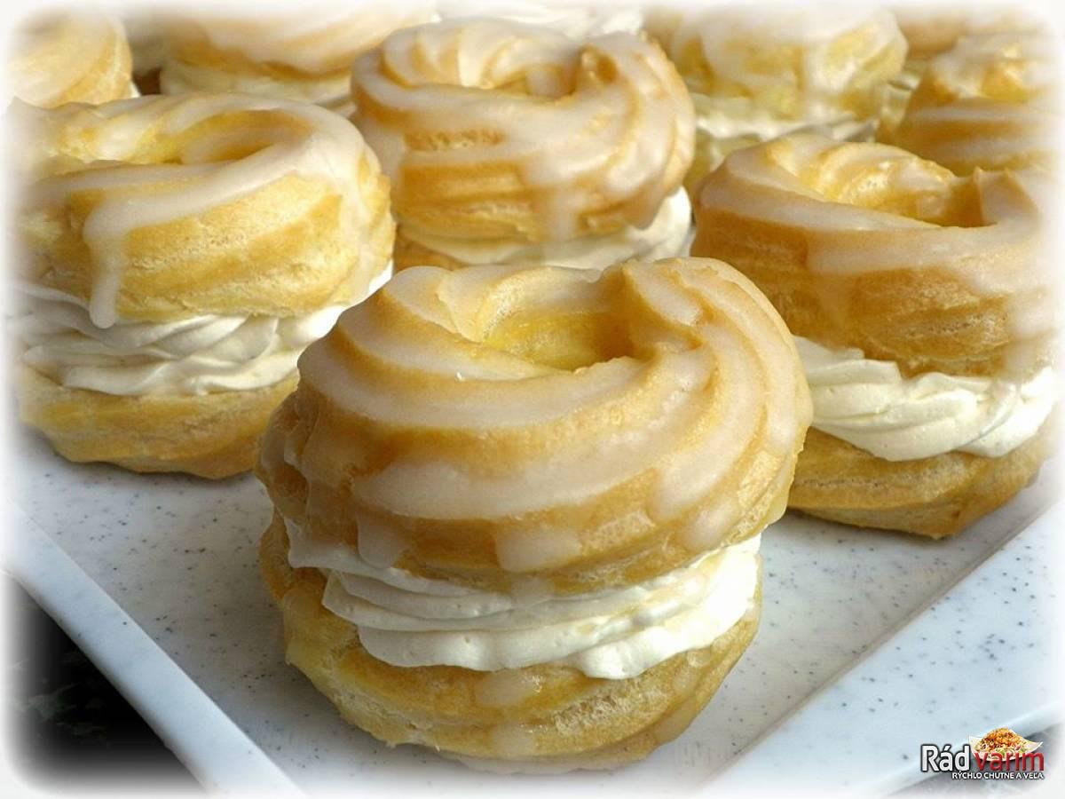 Venčeky s maslovo-pudingovým krémom