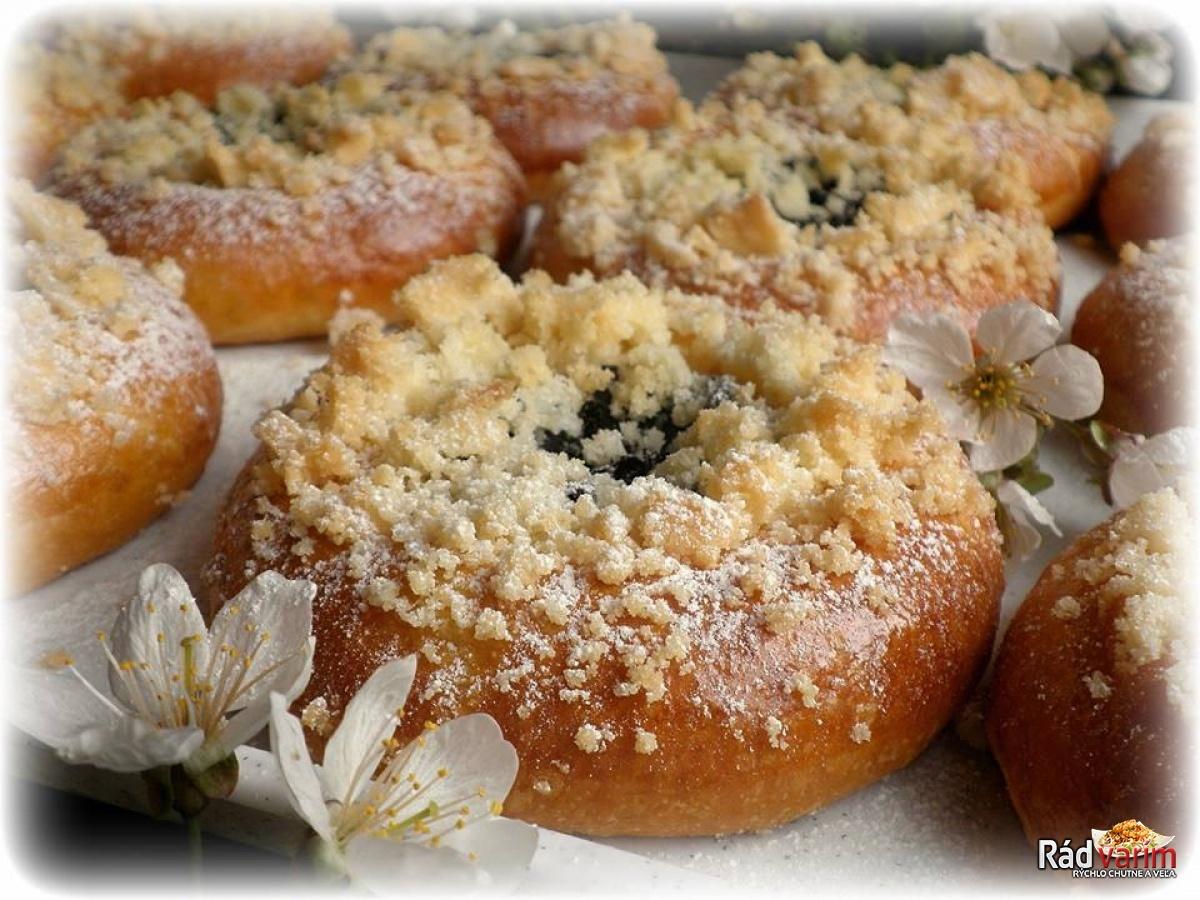 Moravské koláče plnené tvarohom a lekvárom