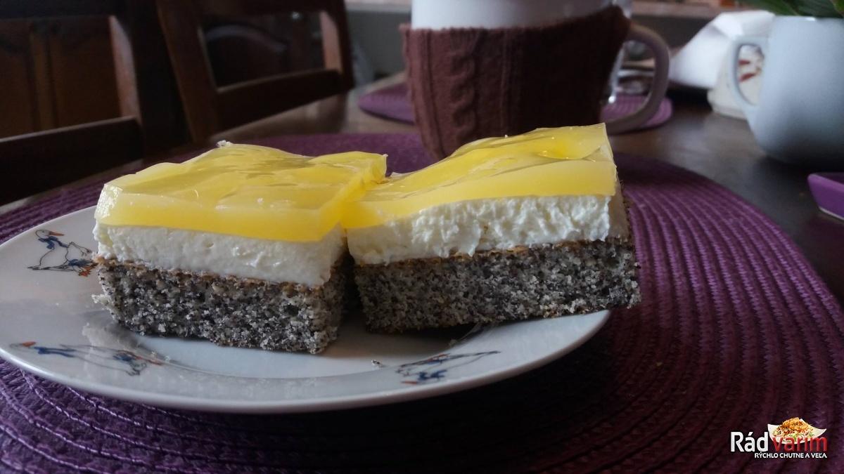 Makový koláč s citrónovou polevou