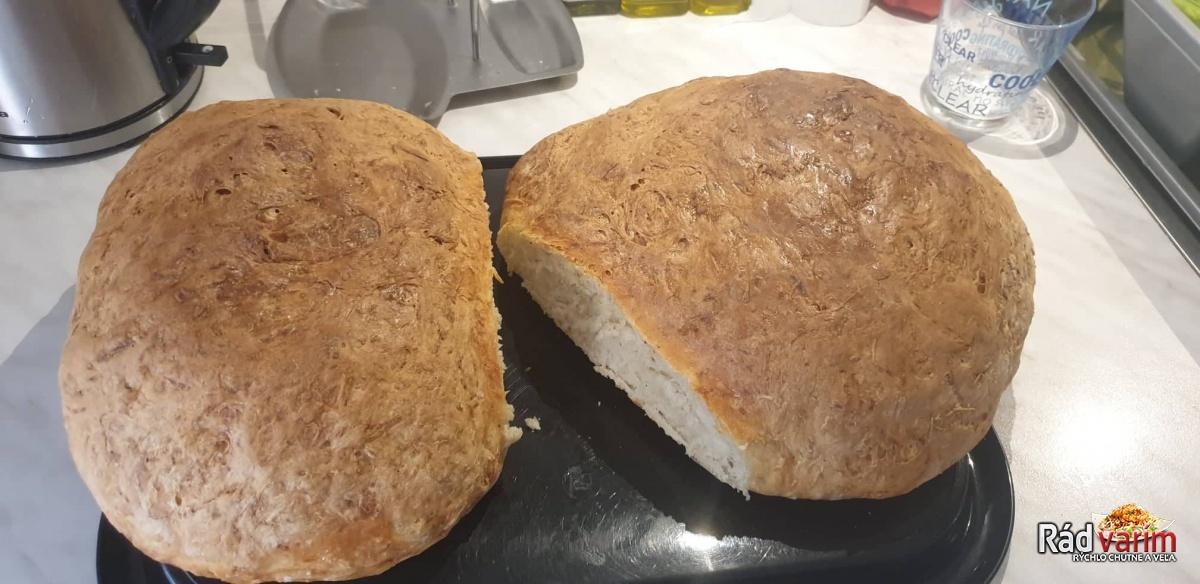 Domáci zemiakový chlebík